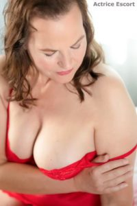 Bettina reife Frau Escortservice Duesseldorf31 200x300 - Bettina