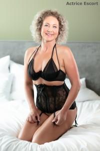 Lexy Escortservice Mannheim Taillenmieder mit Strapshalter 200x300 - Escort Damen
