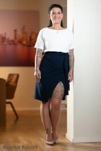 Tessa Escortservice Oldenburg Kleid mit Schlitz 200x300 - Escort Damen